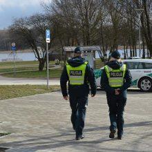 Šeštadienį policija gavo 332 pranešimus apie karantino pažeidimus