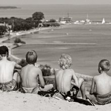 Vaikų vasaros atostogos patuštins tėvų kišenes