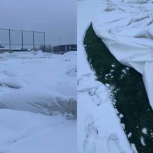 Sniego išbandymo neatlaikė Pilaitės futbolo maniežas: kupolas subliuško