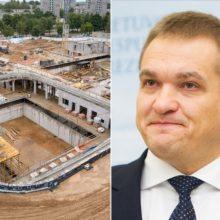 Ministras siūlo dalį stadiono lėšų perskirstyti Lazdynų baseinui