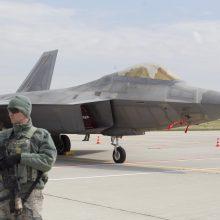 NATO naikintuvai dukart kilo atpažinti Rusijos orlaivių