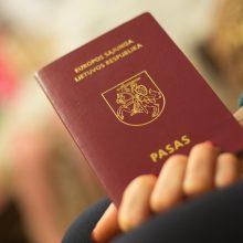 Pakeitimai dėl asmens dokumentų: naują pasą galėtų atsiųsti