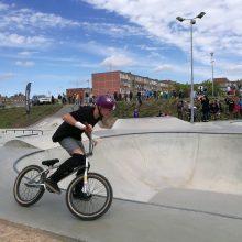 Uostamiestyje – kvapą gniaužiantys riedlentininkų ir dviratininkų triukai