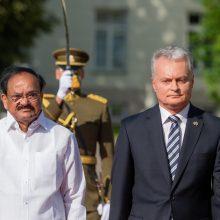Istorinis vizitas: G. Nausėda pasiūlė Lietuvoje atidaryti Indijos ambasadą