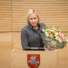 Seimo kanclerė prašo ją atleisti iš pareigų