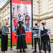 Vilniuje – kaukių mados savaitė: kūrybiškumo neuždengsi kauke