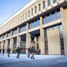 KASP reprezentacinė vėliava pirmą kartą suplevėsavo prie Seimo