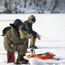 Žvejai apgulė Žaliuosius ežerus: būriuotis verčia griežtos karantino taisyklės