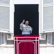 Popiežius ragina nutraukti susirėmimus Jeruzalėje