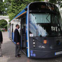 Klaipėdoje pagamintas elektrinis autobusas atvyksta į Vilnių
