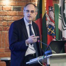 Rytų Europos studijų centrui talkins žymus britų analitikas E. Lucasas