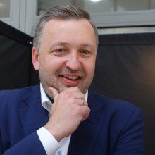 VRK sprendžia dėl A. Guogos mandato: politikas užsienyje, į posėdį atvykti atsisakė