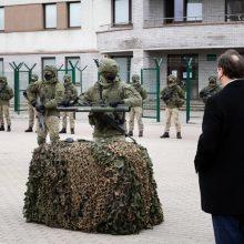 Kariuomenei perduota 10 mln. dolerių verta JAV parama granatsvaidžiais