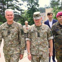Prezidentas: stabdyti nelegaliai migracijai kariuomenei reikia daugiau įgaliojimų