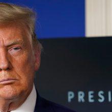 D. Trumpas sako paliks Baltuosius rūmus, jei bus patvirtinta J. Bideno pergalė