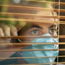 Psichologas pataria: kaip sumažinti vienišumo jausmą gyvenant karantine