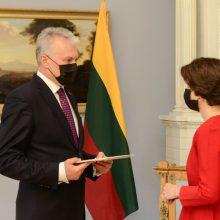 Prezidentas suteikė įgaliojimus Lietuvos ambasadorei JAV A. Plepytei