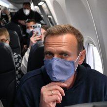 Nepaisydamas arešto grėsmės, A. Navalnas išskrido iš Berlyno į Maskvą