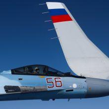 NATO naikintuvai du kartus lydėjo Rusijos karinius orlaivius
