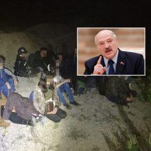 Aiškinasi dėl į Lietuvą gabenamų migrantų: A. Lukašenkos grasinimas tapo realybe?