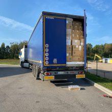 Dėl 2,5 mln. eurų vertės kontrabandos sulaikyti keturi muitininkai, trys vairuotojai