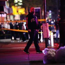 Brukline įsigaliojus komendanto valandai vienas policininkas padurtas, du – pašauti