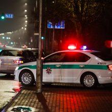 """Vilniuje """"Volvo"""" parbloškė ir mirtinai sužalojo jaunuolį"""