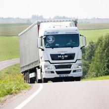 Atmosfera: įtemptą vilkikų vairuotojų darbą dar labiau apsunkina sektoriaus atstovų nesutarimai.