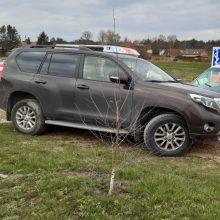 Nelaimės keliuose: praėjusią parą per eismo įvykius nukentėjo vairuotojai, keleiviai ir pėstieji