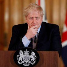 """JK policija: B. Johnsono patarėjas """"nereikšmingai"""" pažeidė karantiną"""