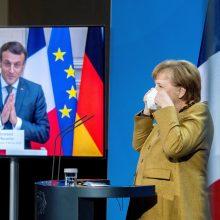 """Kremlius ragina E. Macroną ir A. Merkel paspausti Ukrainą nutraukti """"provokacijas"""""""
