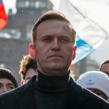 ES vėl paragino paleisti A. Navalną, pasirodžius pranešimams apie prastėjančią jo būklę