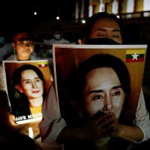 Nušalinta Mianmaro premjerė Aung San Suu Kyi asmeniškai pasirodys teisme