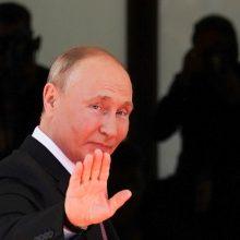 Per susitikimą su JAV prezidentu V. Putinas aptarė galimą apsikeitimą kaliniais