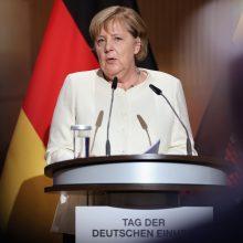 Vokietijoje prasidėjus sunkioms koalicinėms deryboms, A. Merkel ragina ieškoti kompromiso