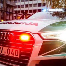 Prie pastato Vilniuje rastas vyro lavonas: įtariamas nužudymas