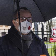 """Žmogaus teisių vadovas: Lenkijai gresia tapti """"nedemokratiška"""""""
