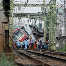 Avarijoje šalia Tokijo nukentėjo dešimtys žmonių, vienas žuvo