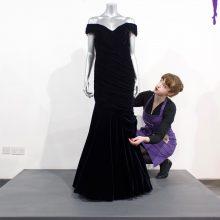 Aukcione parduodama princesės Dianos suknelė