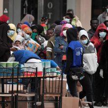 Graikija iki gegužės 4-osios pratęsia karantiną: atideda migrantų perkėlimą