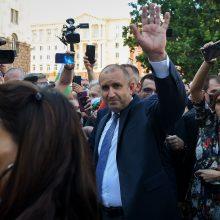 """Bulgarijos prezidentas ragina atsistatydinti """"mafijos tipo"""" vyriausybę"""