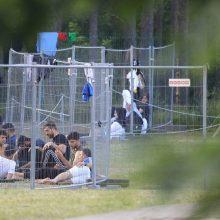 Rukloje teko malšinti neramumus: migrantai reiškė nepasitenkinimą gyvenimo sąlygomis