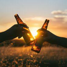 Sušvelnino apribojimus: į paplūdimius grąžinama prekyba silpnu alkoholiu
