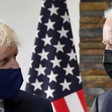 """B. Johnsonas giria """"nesugriaunamus"""" Britanijos ir JAV santykius"""