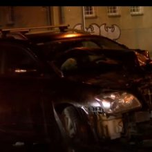 Po lengvojo automobilio ir betonvežio susidūrimo Vilniuje, vairuotojas – ligoninėje