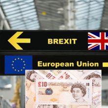 """Tyrimas: po """"Brexito"""" iš JK į ES perkelta 1 trln. svarų vertės turto"""