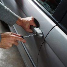 Iš automobilio sostinėje pavogti įrankiai už daugiau kaip 2 tūkst. eurų