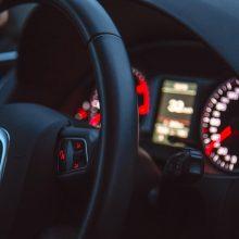 Vilniaus rajone iš stovėjimo aikštelės pavogtas brangaus automobilis