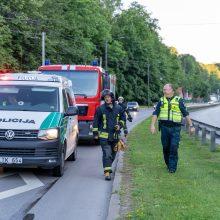 Tunelio gatvėje susidūrus automobiliams nukentėjo moteris