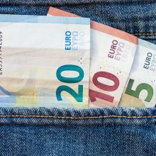 Per sulaikytojo apžiūrą Panevėžyje rasti, įtariama, padirbti pinigai
